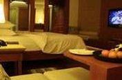 Serasa Raja Bali dalam Semalam