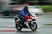 Begini Rasanya Menunggangi Yamaha R15