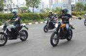 """Pengalaman Pertama Naik Sepeda Motor Listrik """"Super"""""""