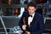 Eddie Redmayne Persembahkan Piala Oscar untuk Penderita ALS