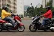 Adu Kenyamanan Yamaha NMAX dan Honda PCX