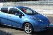 Ngebut di Sirkuit Naik Mobil Listrik Nissan