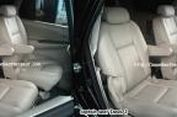 Ubah Jok Standar Innova Jadi 'Captain Seat'