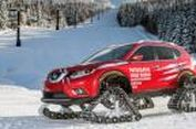 """Nissan X-Trail Pakai 'Sepatu Tank"""" Taklukan Salju"""