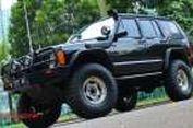Jeep Cherokee XJ 1997 Bisa Hidup di Dua Alam