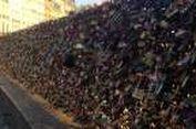 11 Ton 'Gembok Cinta' di Paris Bakal Dilelang