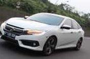 Kebut Honda Civic Turbo di Sentul