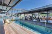 'Honeymoon' di Paris, Kini Ada Hotel Mewah Terapung di Sungai Seine