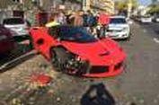 Jangankan Mobil Anda, Ferrari Rp 17 Miliar Pun Bisa Gampang Kecelakaan!