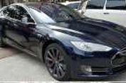 Uji Fitur 'Autopilot' Tesla di Jakarta (Video)