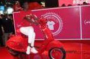 Vespa 946 Merah Menyala Perangi AIDS