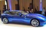Mobil Keluarga Ferrari Meluncur di Indonesia