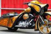 Harley-Davidson Road King Bertopi Bajak Laut