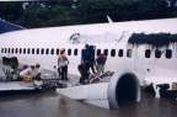 15 Tahun Lalu, Pesawat Garuda Menembus Badai Es dan Mendarat di Bengawan Solo