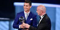 Ronaldo Raih Gelar Pemain Terbaik FIFA 2016