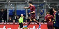 Makna Jalan Santai Saat Eksekusi Penalti ala Gelandang Roma