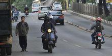 Cara Ini Mungkin Bisa Membuat Pengguna Jalan Raya Lebih Tertib