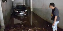 Tindakan Krusial Usai Mobil Terendam Banjir
