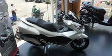 Beli Honda PCX Dapat Voucher Modifikasi