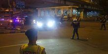 Arus Lalu Lintas Menuju Kampung Melayu Dialihkan