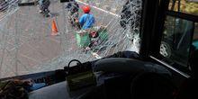 Lagi, Bus Rem Blong Bikin Kecelakaan Beruntun