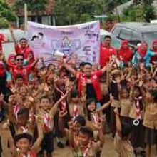 AXIC Ajak Siswa SD di Lampung Rajin Membaca