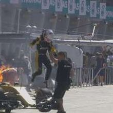 Renault Terbakar pada Sesi Latihan Pertama GP Malaysia