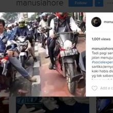 """Beringasnya Biker """"Perkosa"""" Trotoar Hak Pejalan Kaki"""