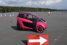 Mencoba Kendaraan Roda 3 Toyota dengan Cara Ekstrem