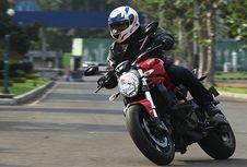 Berkencan 'Cadas' dengan Ducati Monster 821
