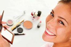 Waspadai 7 Bahan Berbahaya yang Ada dalam Kosmetik