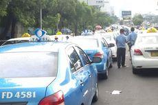 Untung, Loper Koran dan Pak Pos Tak Unjuk Rasa seperti Sopir Taksi...
