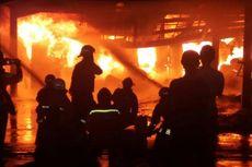 Kebakaran di Bengkel Anti-Karat, 15 Mobil Hangus Dilahap Api