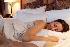 Wanita Cantik Tidur sebelum Jam 11 Malam