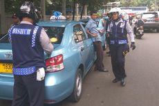 Penertiban di Jalan Widya Chandra, Taksi Diderek dan PKL Diusir