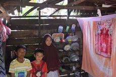 Kisah Pilu Nur Salaya dan Anaknya Tinggal di Bekas Kandang Sapi