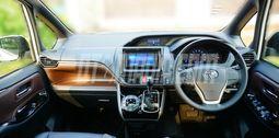 Interior Mewah Toyota Voxy