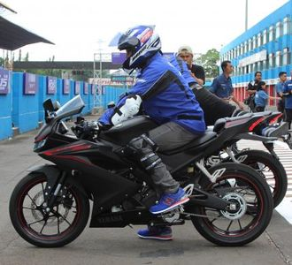 Posisi Riding All New Yamaha R15