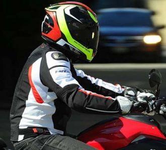 """Repot Pakai """"Riding Gear"""", Naik Angkutan Umum Saja"""