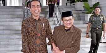 Kenapa BJ Habibie Tidak Lagi Memakai Batik?