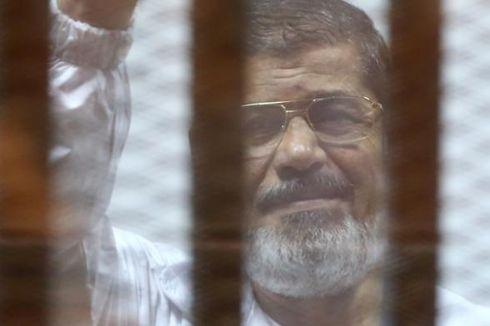 Dunia Kutuk Hukuman Mati untuk Eks Presiden Morsi