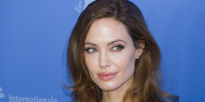 Film Baru Angelina Jolie Diputar Pertama di Kamboja