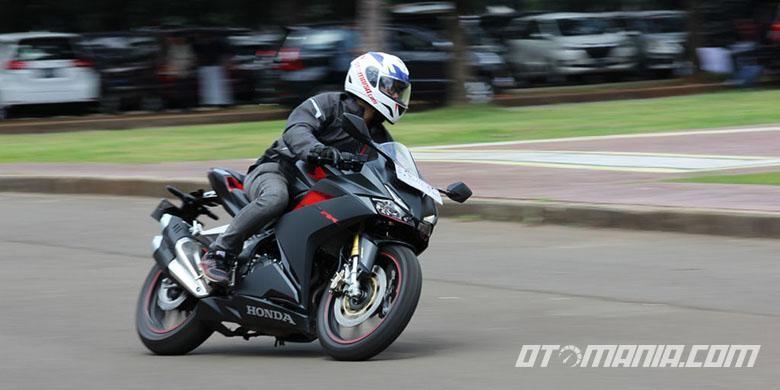 Modifikasi Motor Sport 250 cc buat Harian