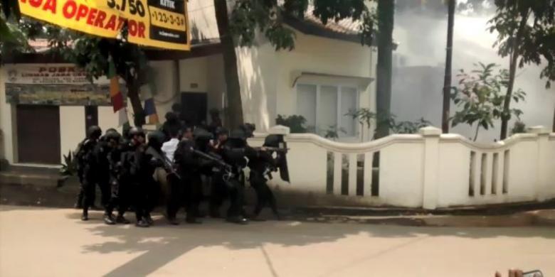 Cerita 2 Siswa SMA yang Berani Kejar Pelaku Teror Bom Bandung