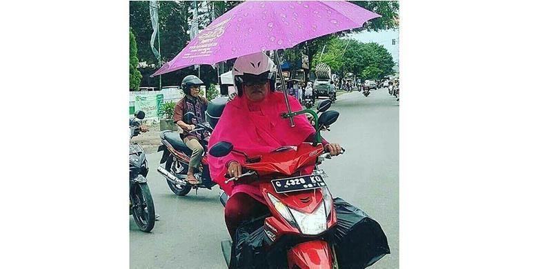 """Aneka Ragam Kelakuan """"Nyeleneh"""" Biker di Jalan"""