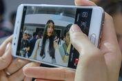 Selfie dengan Kamera Oppo F3, Tak Butuh Tongsis