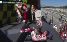 Jatuh, Marquez Bikin Ketawa Saat Naik Podium GP Catalunya