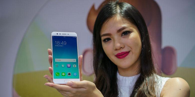 """Lebih Dekat Dengan Smartphone """"Dual Selfie"""" Oppo F3 Plus"""
