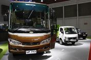 """Mobil-mobil """"Pekerja Keras"""" di Antara Gemerlap IIMS 2017"""