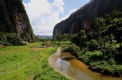 Nikmatnya, Menyantap Durian Berlatar Lembah dan Tebing